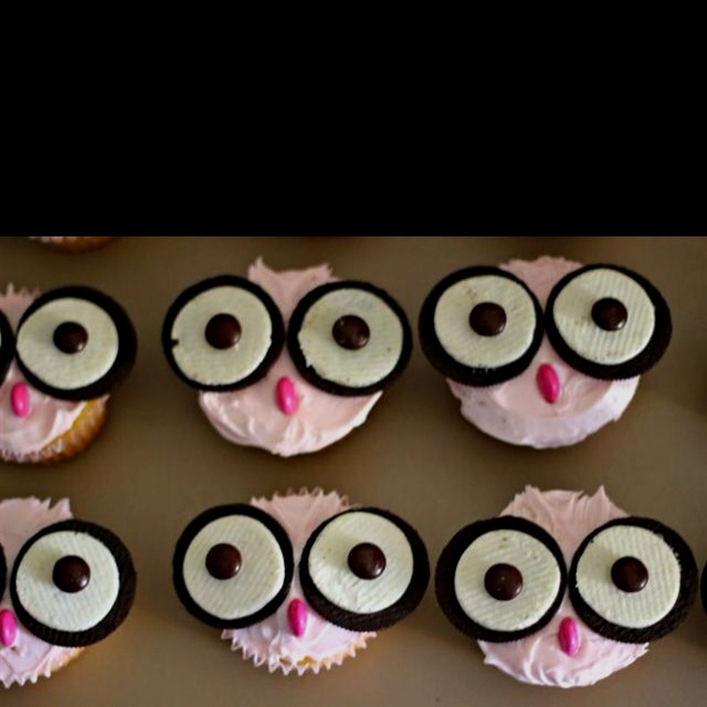 Baby shower dessert idea. Oreos + M's = owl (and I don't have to decorate all fancy with the frosting!)
