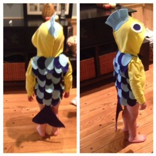 DIY Flounder Costume. Hot glue, felt, and yellow hoodie.