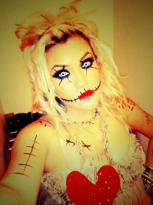Voodoo doll makeup. This would be very cool for Halloween