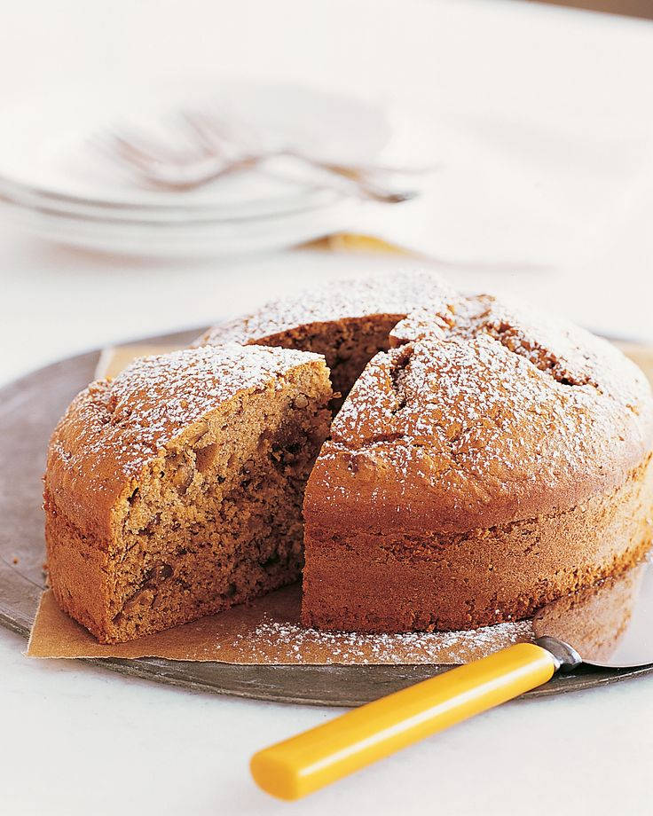 Cakes, Bananas And Pecans