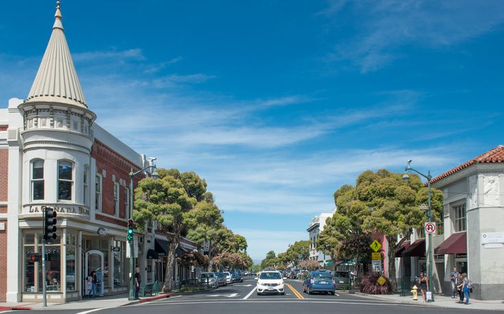The charming town of Los Gatos is a great spot for a weekend getaway.