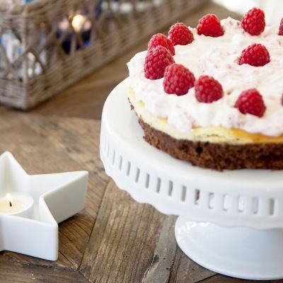 Hummingbird Bakery Cake - Brownies, Cheese Cake AND Raspberry Cream.