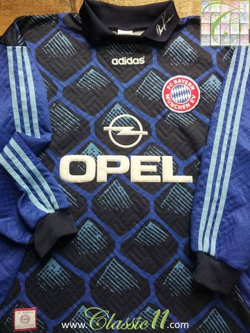 Relive Bayern Munich's 1995/1996 season with this vintage Adidas goalkeeper football shirt.
