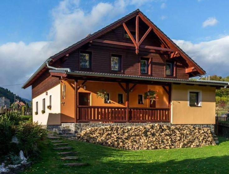 6 Bedroom Chalet in Brezno to rent from £79 pw, within 15 mins walk of a Golf course. Also with balcony/terrace.