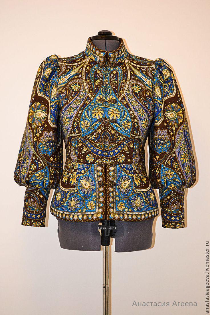 Купить или заказать Куртка из платка 'Имбирь'. в интернет-магазине на Ярмарке Мастеров. Куртка из шерстяного павлово-посадского платка 'Имбирь'. Выполнена по мотивам русского традиционного костюма. Куртка утепленная шерстяным ватином. Высокие манжеты, пышный рукав, баска. Застежка на металлические декоративные крючки. В меру теплая и уютная, можно одеть даже летом в прохладную погоду. Восхитительная вещица! Доставка по ЕМС-экспресс за счет магазина.