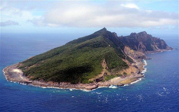Barco chinês colide com navio de bandeira Grega, perto das Ilhas Senkaku
