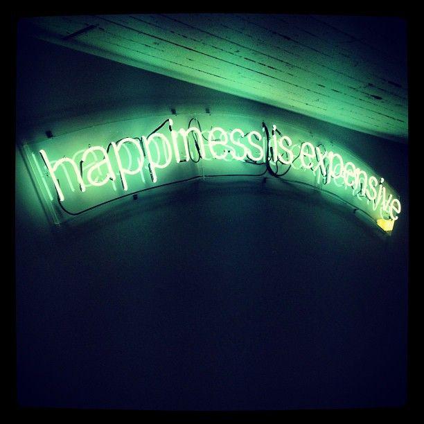 Alejandro Díaz: «Happiness is Expensive», 2010.