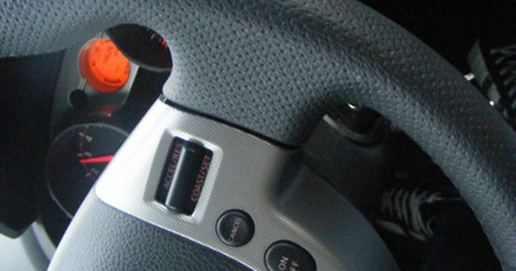 Signos de una bomba de dirección asistida defectuosa. La dirección asistida hace que el trabajo de un conductor sea mucho más fácil y hoy en día casi todos los vehículos tienen esta característica. El sistema utiliza la potencia del motor para operar una pequeña bomba hidráulica, que a su vez proporciona asistencia al conductor cuando el volante se gira en una dirección o la otra. Como todos los ...