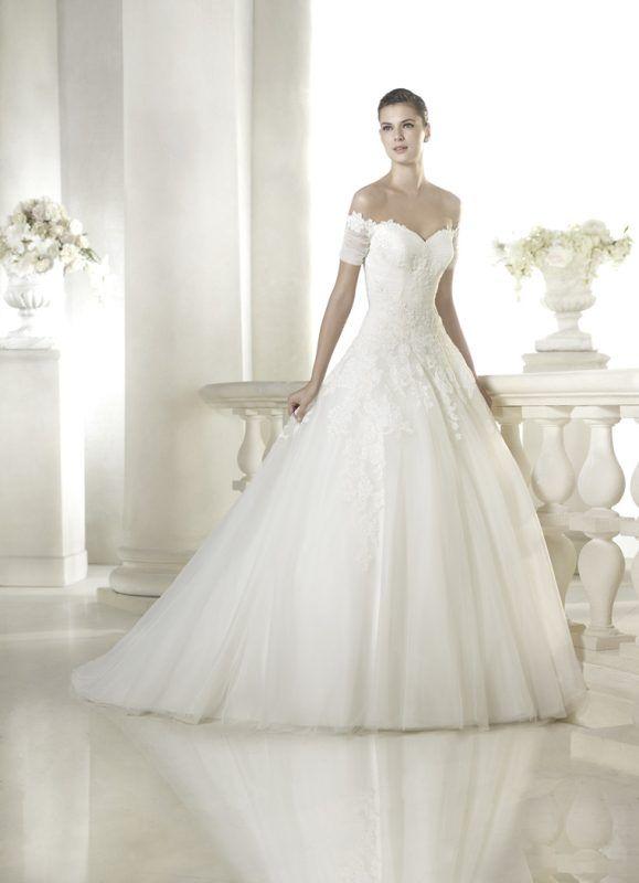 Sheba esküvői ruha