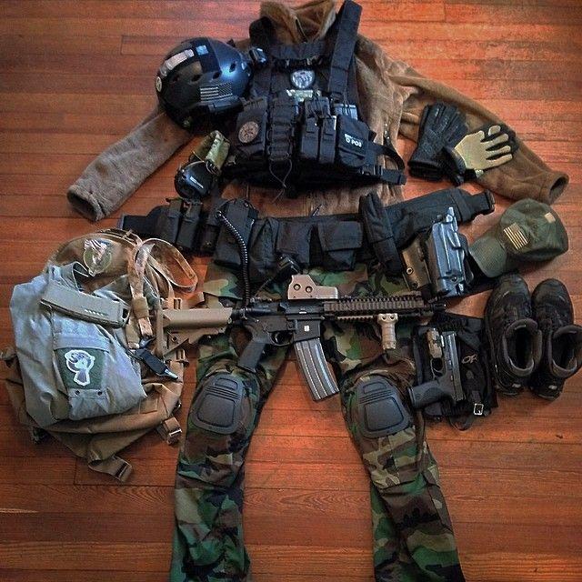 Defesa pessoal de pessoa civil, como na Suíça - aprovo. outlaw185's photo on Instagram