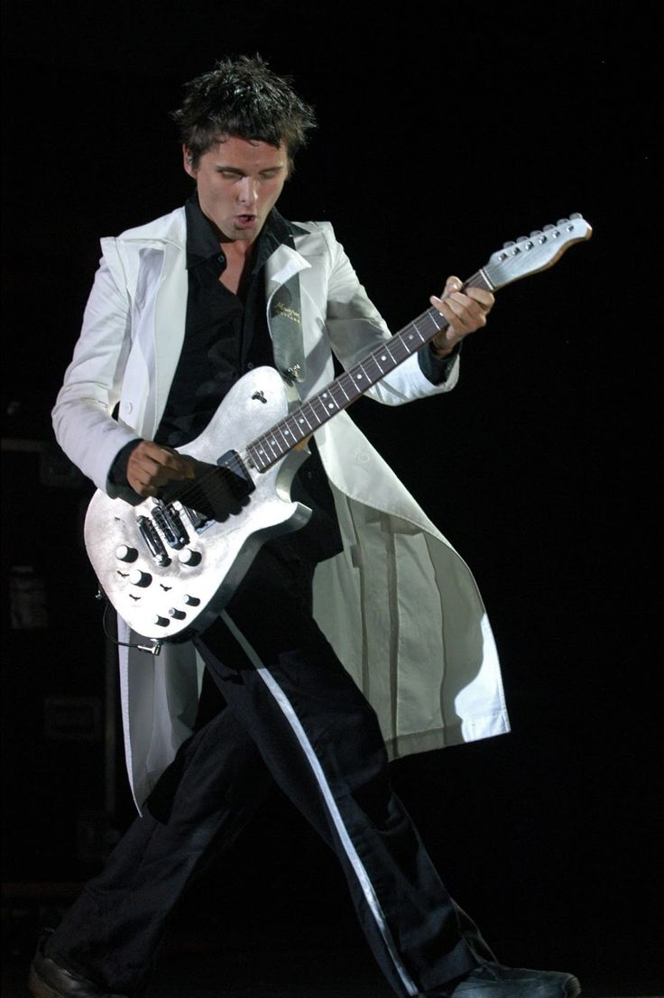 Matt Bellamy - Muse - Glastonbury Festival, Pilton, UK (June 2004)