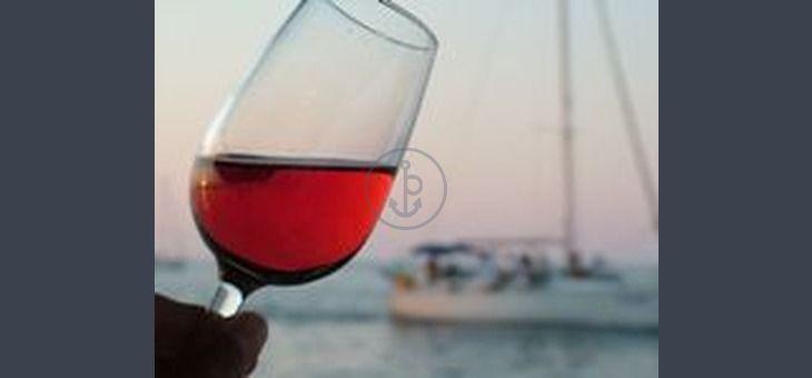 #Vacanze in barca a vela Dufour 44 Performance da #MarinadiCarrara. 4 Cabine, 2 Bagni, 8 posti letto, portata massima 12 persone. Prezzo: 250.00 € a persona (1 giorno)!