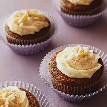 Gingerbread Cupcakes with Marshmallow Cream Cheese Frosting