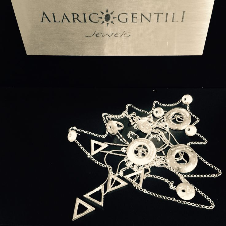 Merry Christmas  From Alarico Gentili jewels