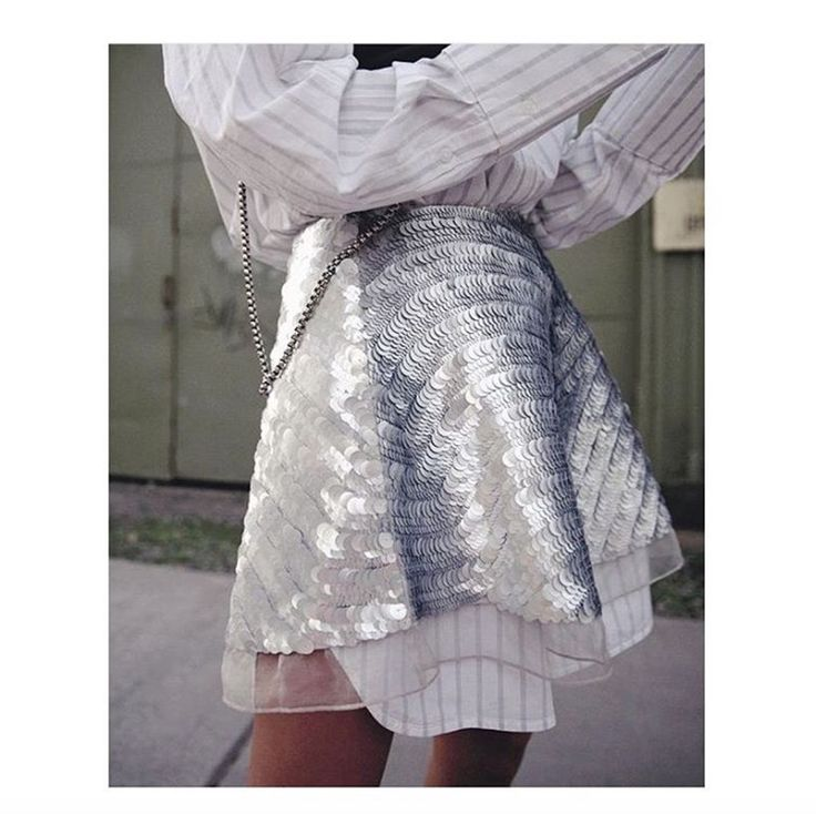 Yan Chan wears the Sorian Skirt in Silver Wave #AJETHELABEL #AJE #YANYANCHAN #MBFWA #STREETSTYLE #STYLE #FASHION #SEQUIN #SILVER #MINI