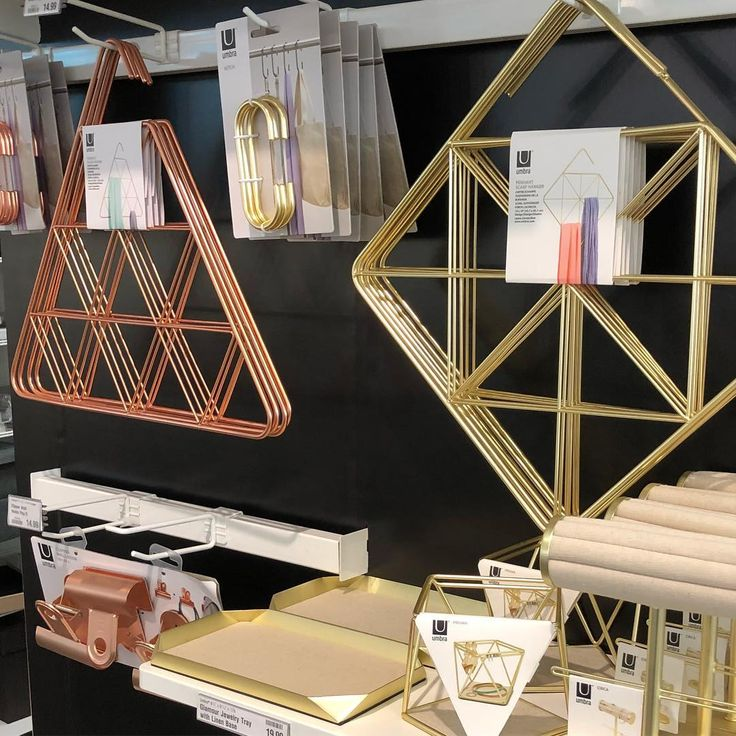 Discovered new closet accessories by @umbra_ltd today including these gold and copper scarf hangers and jewelry organizers! Love their chic form and finishes! @thecontainerstore #umbra #thecontainerstore #copper #gold #closetorganization #closet #metallic #jewelry #organizedlife #storage #design #form #function #style #trending #accessories #shopping #metal #organization
