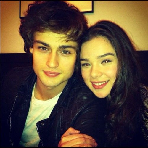 Douglas Booth and Hailee Steinfeld (His Hair! <3 )