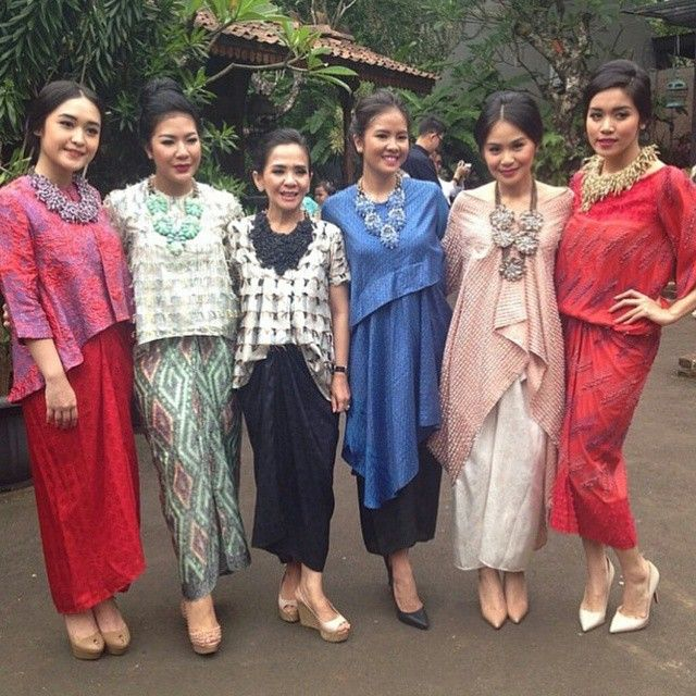 See this Instagram photo by @inspirasi_kebaya • 619 likes
