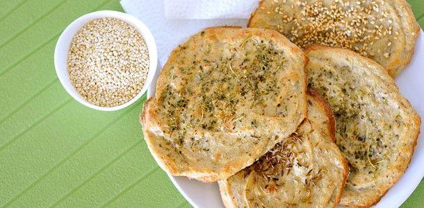 Würzige Quinoa-Fladenbrote glutenfrei & vegan auf http://www.pures-geniessen.com