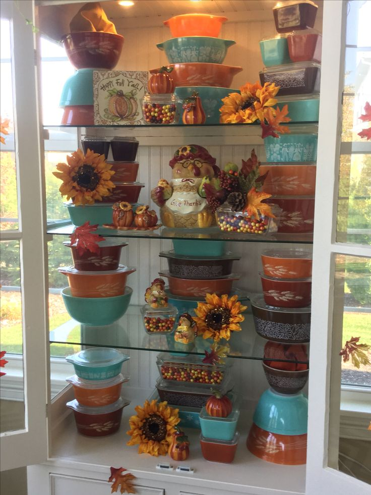 Pyrex; Fall 2016 display