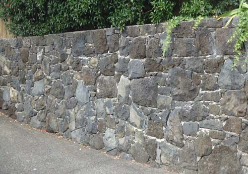 17 best ideas about stone fence on pinterest rock wall for Landscaping rocks auckland