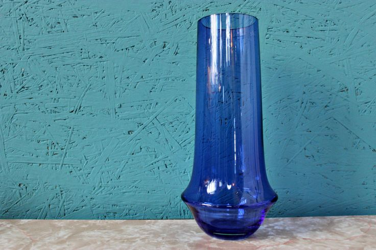 Tall Blue Riihimaki / Riihimaen Lasi Oy Vase by Tamara Aladin by Hiddenintherafters on Etsy