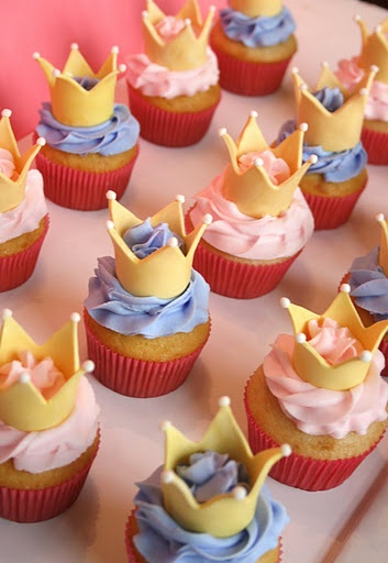 Cinderella's carriage & Princess cupcakes  photo only