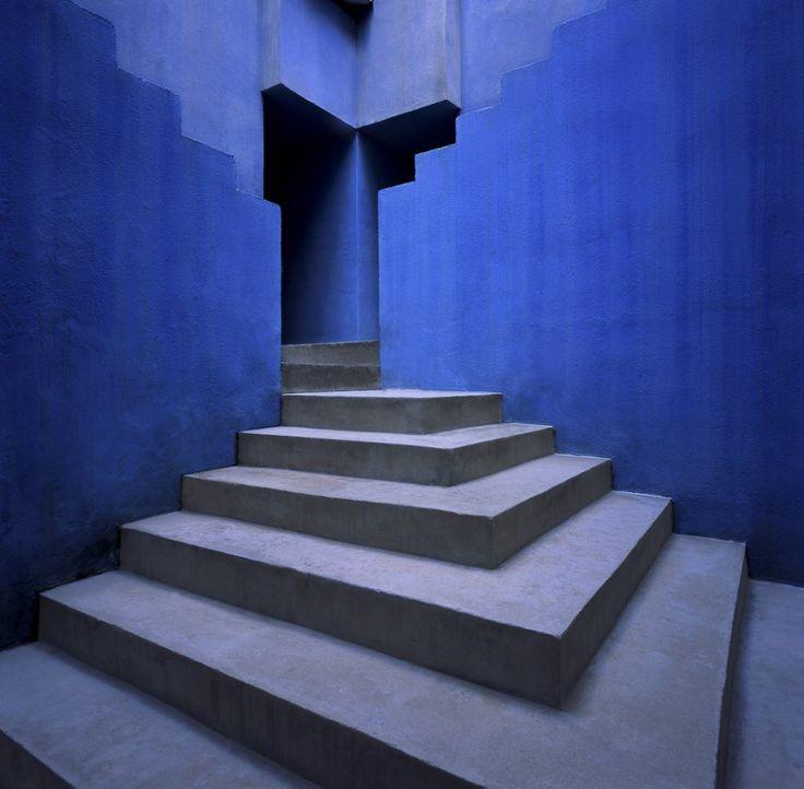 Galería de Clásicos de Arquitectura: La Muralla Roja / Ricardo Bofill - 1