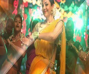 Thappa Dhaan Theriyum | Maari [2015] - http://www.tamilsonglyrics.org/thappa-dhaan-theriyum-maari-2015/ - 2015, Anirudh Ravichander, chinna ponnu, Dhanush, Maari, Maari, Magizhini Mani maaran, Vignesh Shivan - Thappa Dhaan Theriyum Maari movie song lyrics. Composed by Anirudh Ravichander, Thappa Dhaan Theriyum written by Dhanush and sung by Anirudh Ravichander and Alisha .  Song Details of Thappa Dhaan Theriyum from Maari tamil movie    Movie Music Lyricist Singer(s) Year   M