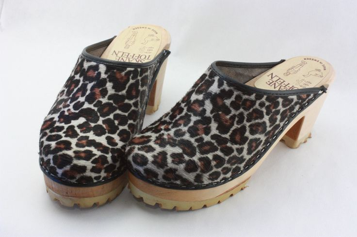 Skåne Toffeln High enough leopard clogs
