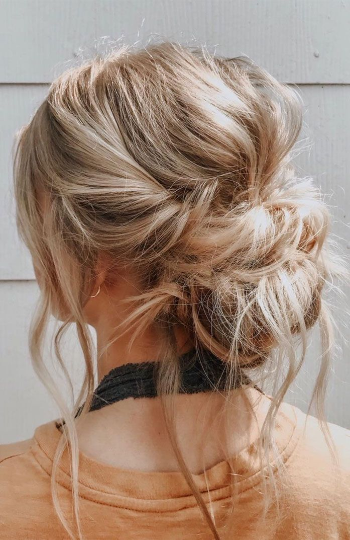 44 Messy Updo Hairstyles The Most Romantic Updo To Get An Elegant Look Hair Styles Medium Length Hair Styles Medium Hair Styles