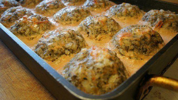 Тефтели с грибами, запеченные в духовке в томатно-сметанном соусе | Школа шеф-повара