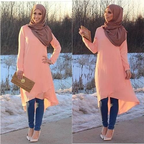 long peach tunic dress- Hijab fashion inspiration http://www.justtrendygirls.com/hijab-fashion-inspiration/