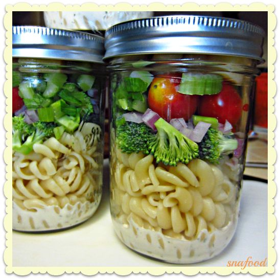 ranch rotini mason jar salad-totally doing this for lunch next week!