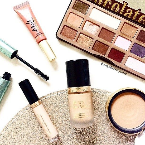 It's a @toofaced kind of day  The Chocolate Palette is my holy grail! What's is your favourite Too Faced product?