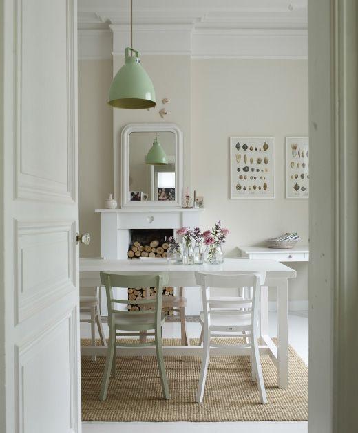 Aggiungi accenti di colore in una cucina bianca per un tocco personale - IKEA