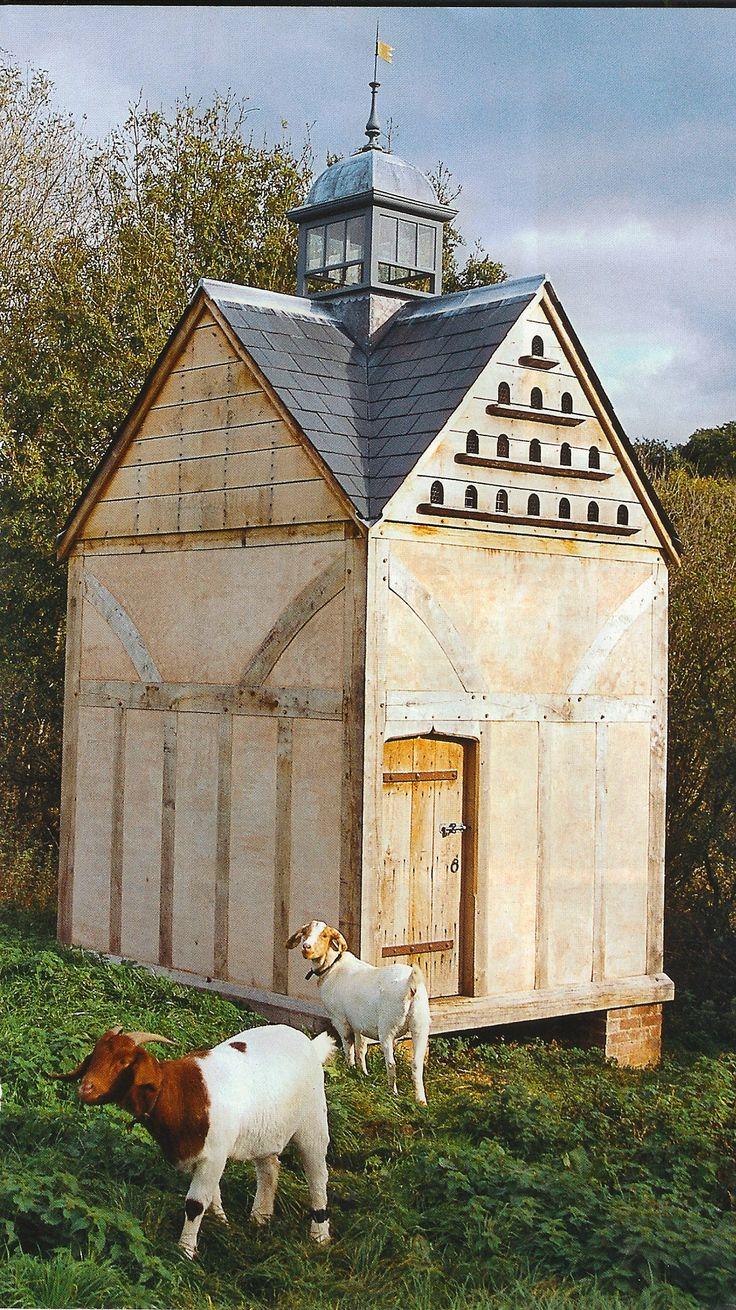 Les 444 meilleures images du tableau pigeonniers sur for Garden shed qatar