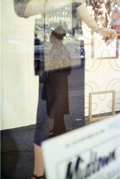 Artist: Saul Leiter Title: Union Square Year: c. 1952 Edition: of 10 Medium: Chromogenic print, printed later Size: 50 x 40 cm FIFTY ONE Fine Art Photography Gallery - Artists