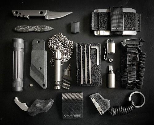 everyday-cutlery: vinjabond: Covert Operator Travel EDC + SERE Gear Kit Tacticoool