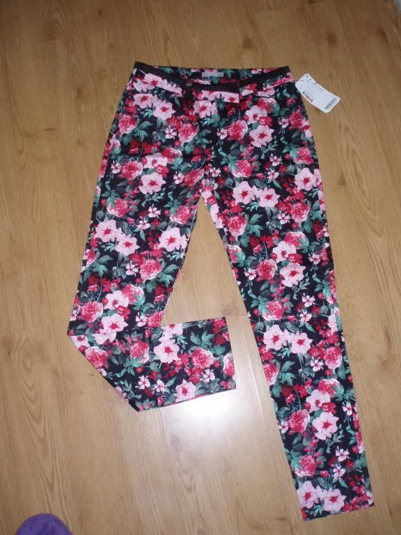 ORSAY przepi�kne spodnie w kwiaty HIT r.36/38 nowe