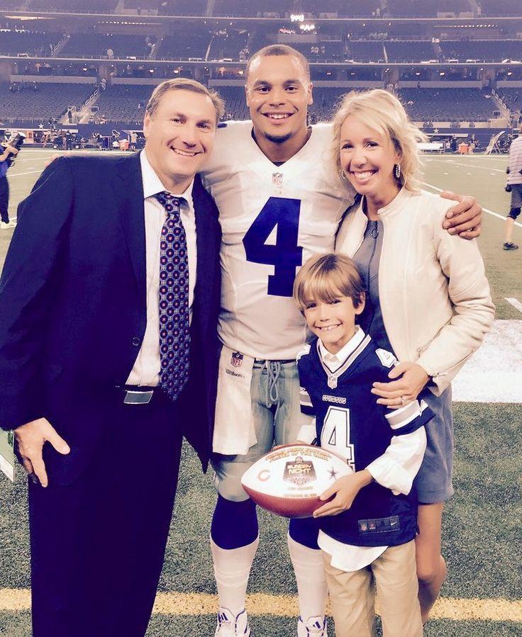Dan Mullen and his family with Dak