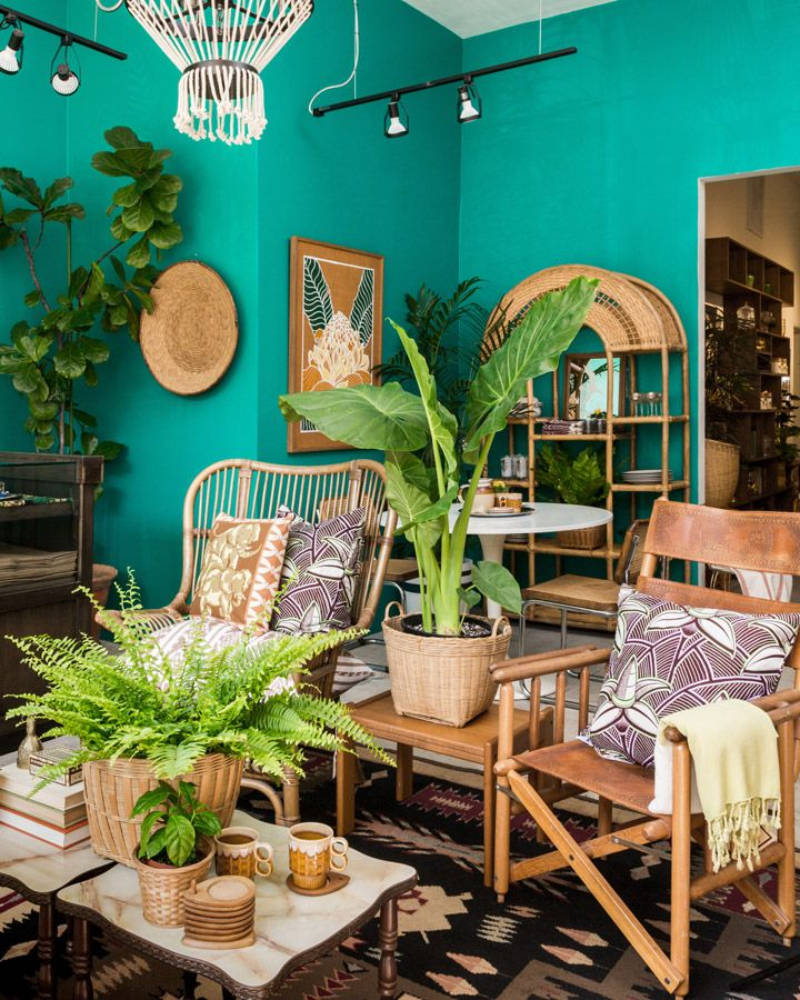 6th And Detroit California 70s Cool Teal Living Rooms Teal Walls Living Room Green Living Room Decor