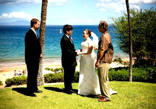 Hawaii is such a beautiful destination to begin with... add the beauty and elegance of your wedding party - and magical memories are bound to be the result!