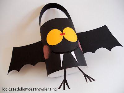 L'an passé, je vous avais partagé quelques idées sur Halloween et vous aviez étiez nombreux à visiter la page. Je remets le couvert cette année en vous proposant encore plus de DIY faciles à faire, sans dépenser des fortunes. Bon amusement. :-) Un porte-bonbon...
