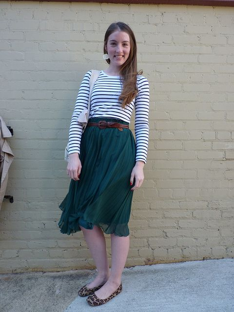 long skirt done right.Green Skirts, Leopard Flats, Leopards Shoes, Green Maxis, Flowy Skirts, Emeraldi Green, Green Pleated, Maxis Skirts, Leopards Flats