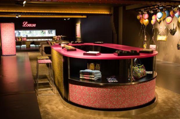 loewe-coleccion-tales-of-spain-collection-barcelona-tienda-pop-up-store-modaddiction-accesorioes-complementos-handbag-bolso-bag--paseo-gracia-loewe-1