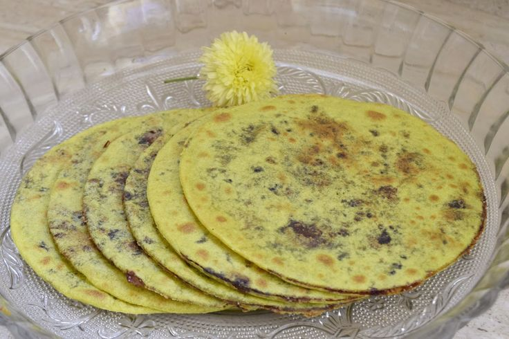 Poorni's Easy Cookbook: Dates Puranpoli/ Kharjurada hoLige/ Dates obbattu ...