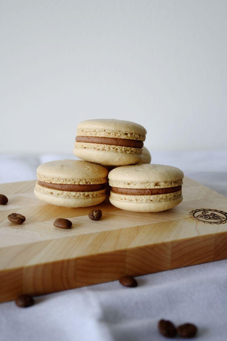 The perfect combination of coffee & Baileys in macaron form. | livforcake.com | http://livforcake.com/2015/01/coffee-baileys-macarons.html