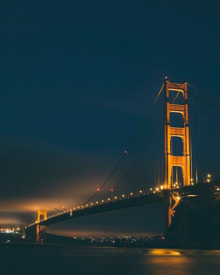 San Franciscou0027s Golden Gate bridge long exposure