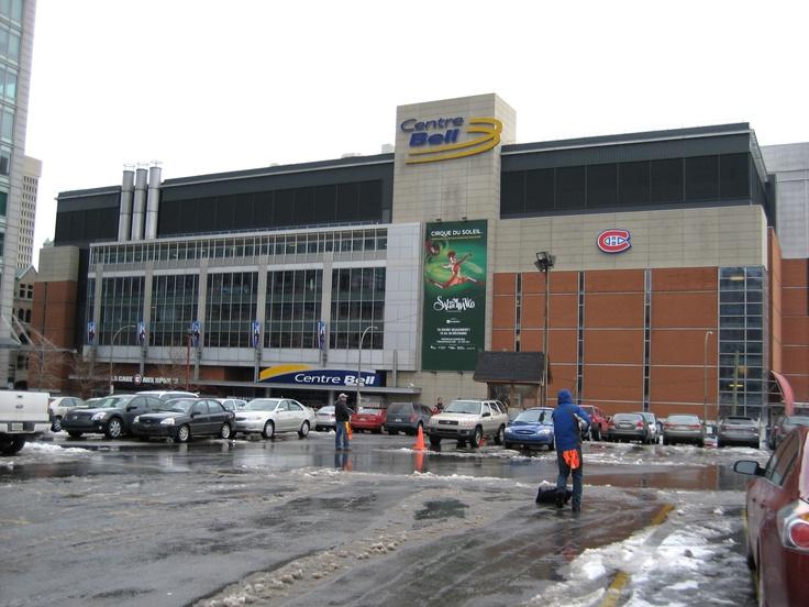 Le Centre Bell, auparavant connu sous le nom de Centre Molson. Le domicile des Canadiens de Montréal de la Ligue nationale de hockey depuis le 16 mars 1996, lorsque l'équipe a quitté le Forum de Montréal.